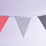 Изготовление флажной ленты из ткани на заказ гирлянда из флажков из ткани с тесьмой на заказ РостАрт Москва 2018