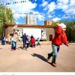 Изготовление флажной ленты на заказ домик определенные цвета гирлянды Реутов парк РостАрт Москва 2017