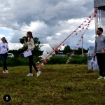 Флажная лента гирлянда из флажков на заказ Спонсорская помощь от Компании РостАрт Пикник с Котодетками Москва 2017