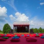 Изготовление флажной ленты на заказ для пикника крупнейшей IT компании РостАрт Москва 2016-3