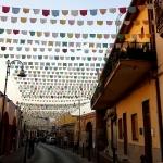 Изготовление флажной ленты на заказ домик определенные цвета гирлянды оформление улицы РостАрт 2017