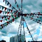 Изготовление флажной ленты на заказ без расстояния гирлянды из флажков оформление парка Томск РостАрт Москва 2017