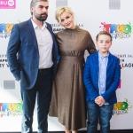 Пресс-волл презентация кинопремьеры Трио в перьях Полина Гагарина с мужем и сыном 2017