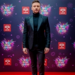 Пресс-волл фотозона цветы с объемными буквами и красной дорожкой Big Love Show 2019 Сергей Лазарев Москва 2019
