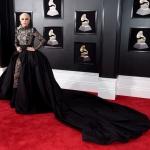 Пресс-волл с красной дорожкой с инкрустацией багета музыкальная премия года Grammy Awards 2018 Леди Гага Нью-Йорк США 2018