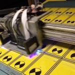 Уф-печать с белилами интрерьерная печать тактильные таблички световой маяк дверного проема РостАрт Москва 2018