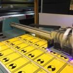 Изготовление тактильных табличек со шрифтом Брайль для МГН заготовки световые маяки для инвалидов уф-печать с белилами РостАрт Москва 2018 4089
