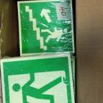 Изготовление знаков пожарной эвакуации знаки светонакопительные для МГН различные размеры РостАрт Москва 2017