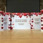 Изготовление задника для сцены интерьерная печать на пластике изготовление пресс-волла Москва 2018