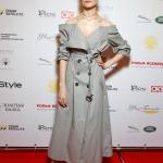 Пресс-волл премия Восток-Запад Золотая Арка Юлия Снигирь Москва 2018