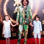Пресс-волл фотозона с красной дорожкой фестиваль ЖАРА Филипп Киркоров с детьми Баку 2019