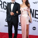 Пресс-волл премия Американского института киноискусства за особые достижения в профессии AFI Life Achievement Dolby Theater Джорж и Амаль Клуни Лос-Анджелес США 2018