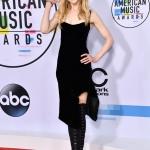 Пресс-волл овальный с красной дорожкой церемония вручения музыкальной премии American Music Awards 2017 Николь Кидман Лос-Анджелес 2017