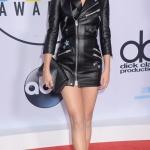 Пресс-волл овальный с красной дорожкой церемония вручения музыкальной премии American Music Awards 2017 Селена Гомес Лос-Анджелес 2017
