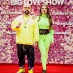 Пресс-волл фотозона цветы с объемными буквами и красной дорожкой Big Love Show 2019 Artik & Asti Москва 2019