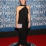 Пресс-волл с красной дорожкой для научной премии Breakthrough Prize NASA Эштон Энн Воджицки 2017