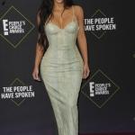 Пресс-волл фотозона премия телеканала E! People's Choice Awards Ким Кардашьян США 2019