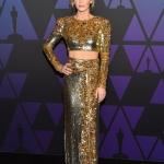 Пресс-волл фотозона премии Governors Awards за вклад в кинематографическое искусство Эмили Блант 2018