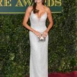 Пресс-волл с живыми цветами премия  London Evening Standard Theater Awards Мелани Сайкс Лондон 2017