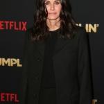 Пресс-волл фотозона премьера музыкальной комедии сервиса Netflix Пышка  Лос-Анджелес 2018