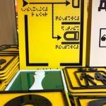 Изготовление тактильных табличек для МГН печать наклеек со шрифтом Брайль РостАрт Москва 2017 5677